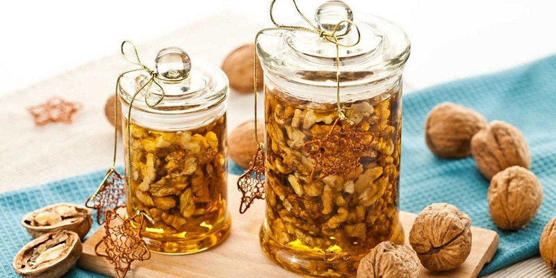 Мед и грецкие орехи для потенции – рецепт для мужчин